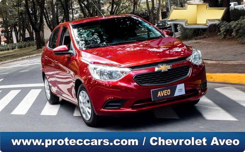 Vehículo Chevrolet Aveo en la vía