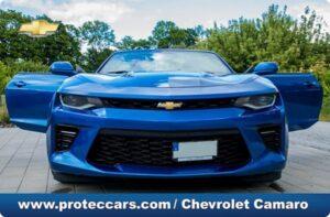 Chevrolet Camaro azul