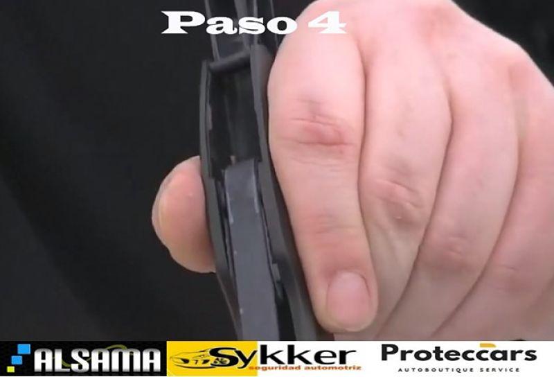 Paso 4 ajuste de escobilla en el brazo limpiaparabrisas